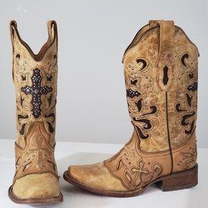 Corral Vintage | Antique Saddle Metal Cross Boots